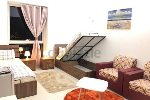 luxurious bed space for girls only in SZR