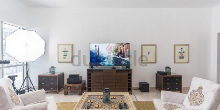 Flatmate wanted in Dubai Marina, master room in huge new 3 bed apt1