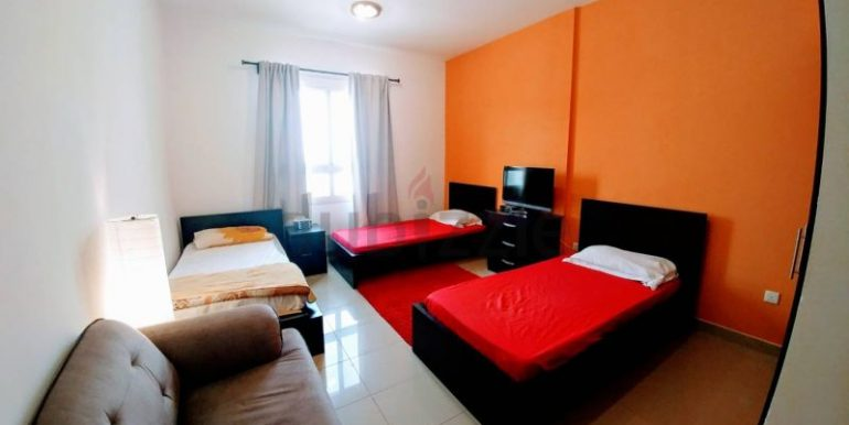 Fully furnished luxurious bed space for decent bachelors1