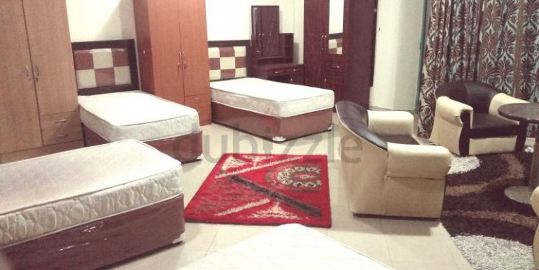 Luxury Bed Space Master Room In Dubai Marina Sea View New Apartment only ladies4
