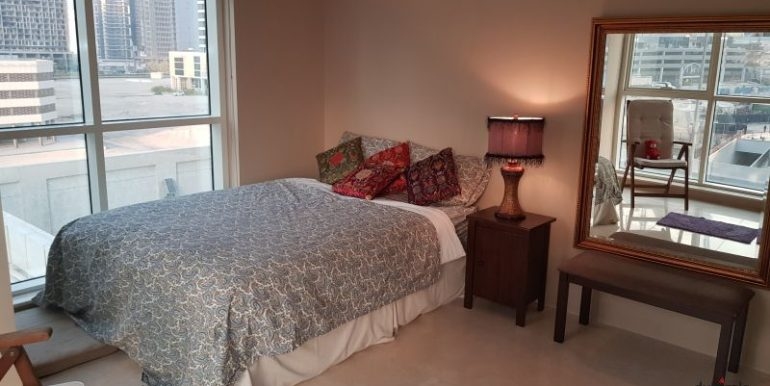 Master Bedroom Behind Mall of Emirates - Ladies 1