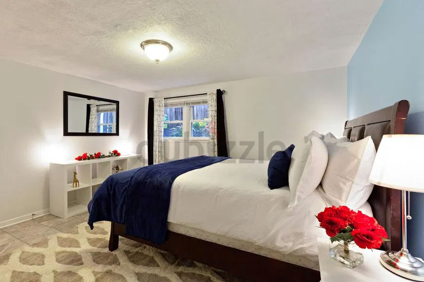 DEAL OF THE DAY FURNISHED DELUXE ROOM IN HOTEL