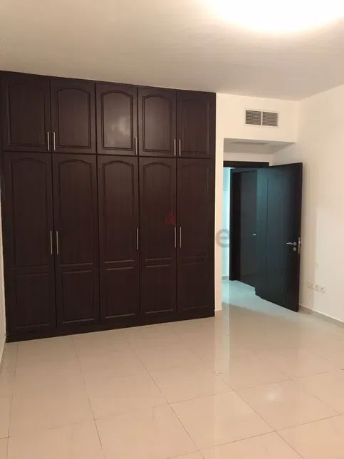 Luxury Master Room Available For Rent in Cornich AlKhalidiya