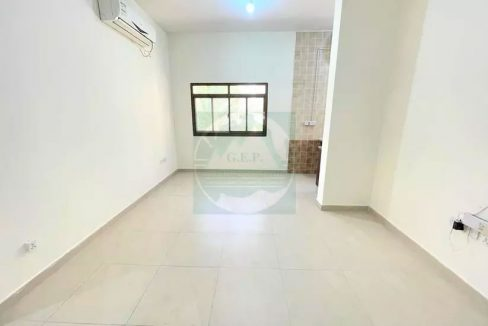 Stunningly Cheap Unit @ 1st floor No Commission