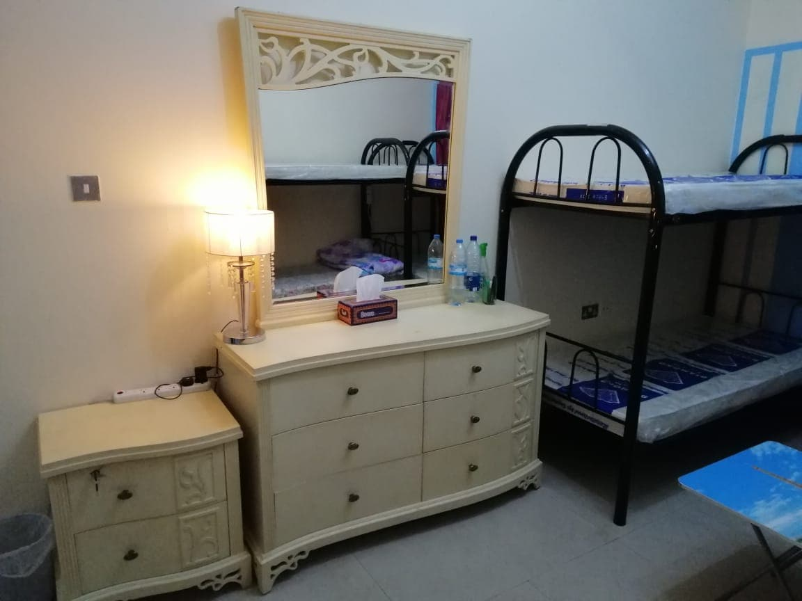 Bachelors Rooms & Staff Accommodation in 2800/Aed Including Everything in Bur Dubai