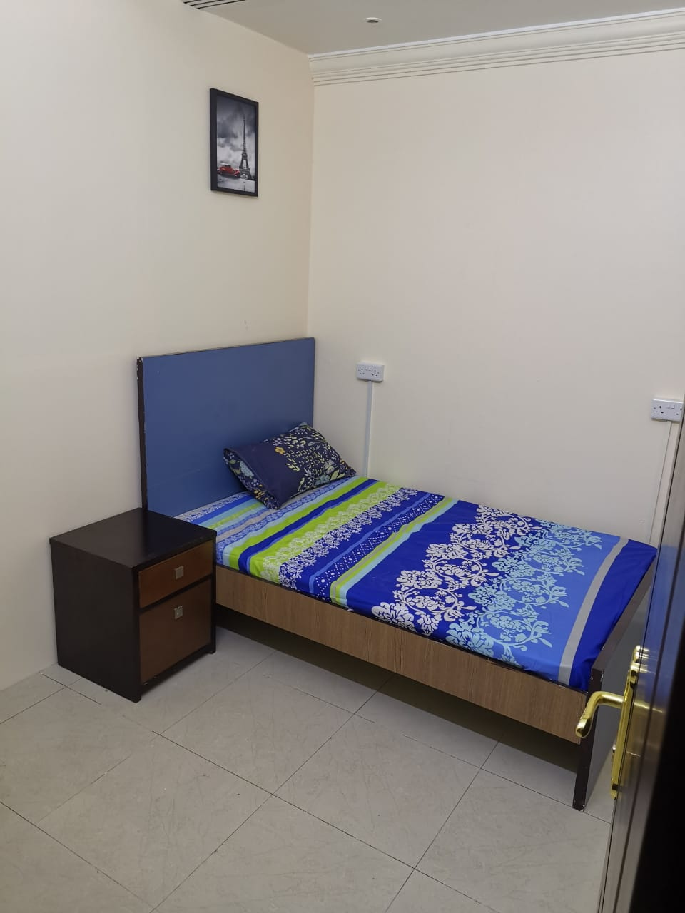 Rooms for Couples Inclusive All in Bur Dubai, C/Ac, @2000 With Attach Washroom