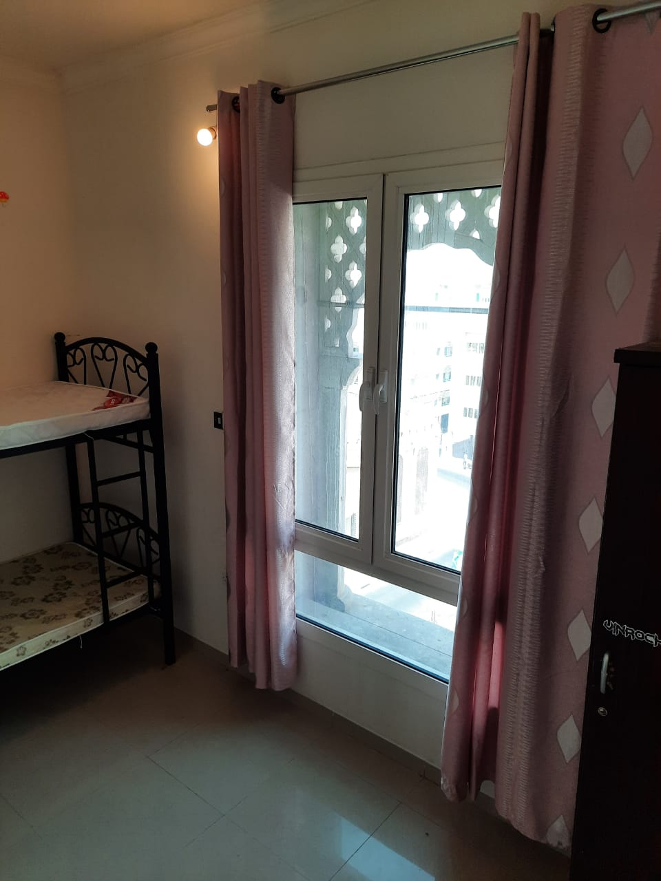 Partitions for 3 or 4 Persons Only for Kabayan in Bur Dubai @2000 Inclusive All, C/Ac, Privacy